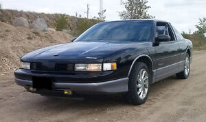 1990 Oldsmobile Cutlass Supreme International