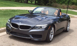 BMW Z4 sDrive28i Roadster, low km, still new.