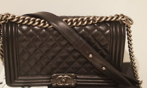 Chanel boy in excellent condition