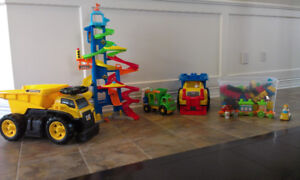 Mega Bloks trucks & pieces and Little People car ramp