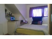 Rooms two rent in two bed flat share with ensuite