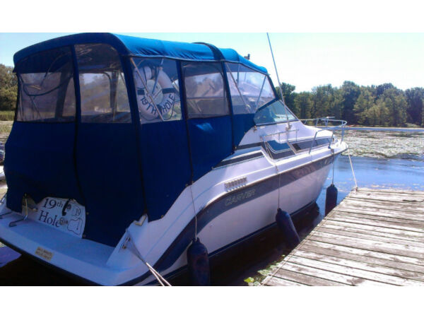 Used 1989 Carver Yachts Montego 2557
