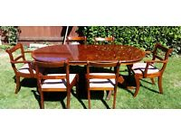 Varnished Walnut Extendable Dining Table with 6 Chairs