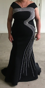 Mac Duggal Black Scuba Mermaid Dress - Size 14/16