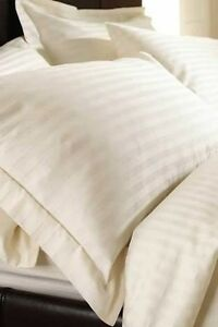 Cream duvet cover, 2xpillow covers + quilt for double Karrinyup Stirling Area Preview