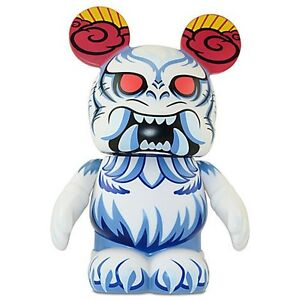DISNEY Park 8 Series VINYLMATION - Mickey Mouse as YETI 9