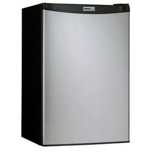 DANBY 4.4 CU.FT. FRIDGE (STAINLESS STEEL)