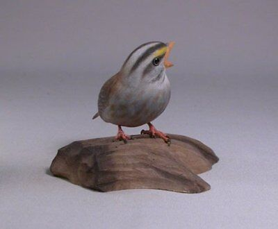 Baby White-throated Sparrow Bird Carvings/Birdhug for sale  Shipping to Canada