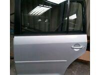 VW TOURAN 2008 NEAR/SIDE REAR DOOR SHELL