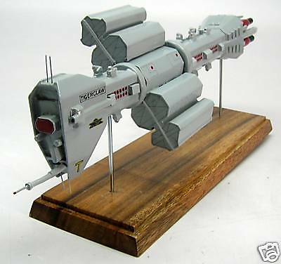 Destroyer Omega Earth Force Babylon-5 Spacecraft Desk Wood Model Small New