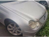 Mercedes Benz C Class 180 Automatic Gearbox Breaking For Parts (2003)