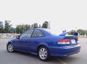 LOOKING FOR A 1999-2000 Honda Civic Si