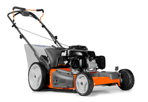 Husqvarna HU700f lawnmower