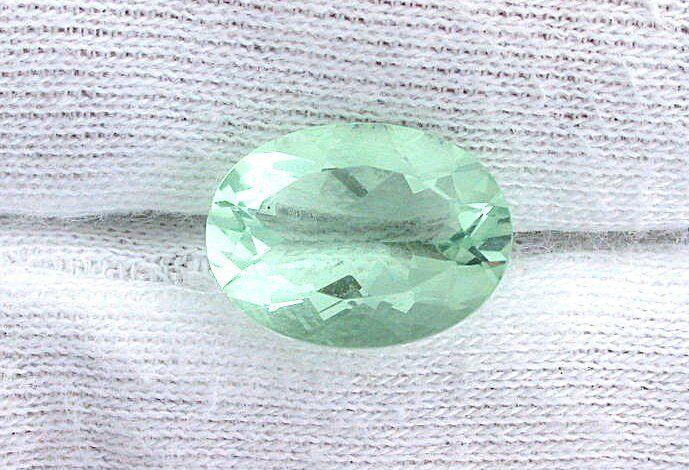 10 Carat 16mm x 12mm 16x12 Mint Green Oval Fluorite Gemstone Gem Stone EBS1703