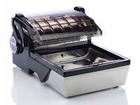 Vacmaster VP112EU countertop chamber vacuum packer with free bags