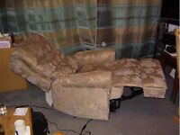 RISER/RECLINER CHAIR If you want a Bargain