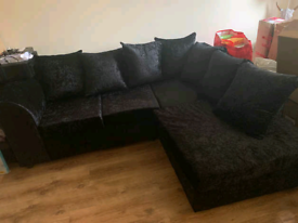 Black corner sofa(delivery available