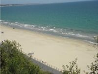 Opposite Canford Cliffs Beach Chine !! 2 bedroom 2 bathroom flat. Pets allowed!!