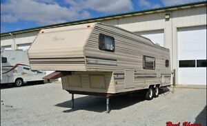 LOOKING TO BUY A FIFTH WHEEL TRAILER 30' APPROX