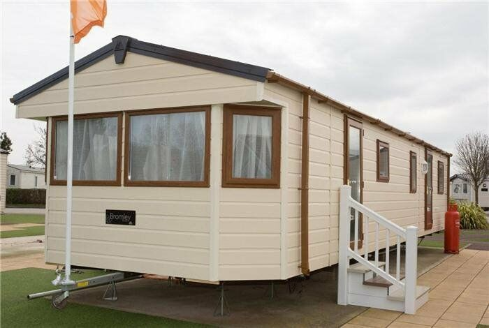 4 Bedroom Caravan For On A All Actioned Holiday Park