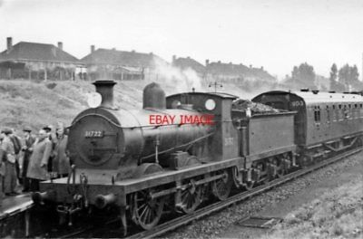PHOTO  SR C LOCO 31722 1950 AT ST. HELIER RCTS SOUTH LONDON RAIL TOUR