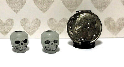 Dollhouse Miniature Halloween Skull Beads - Plastic-10 Per Set-Glow in the Dark