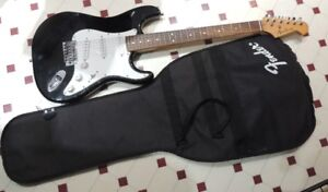 ACADEMY ELECTRIC GUITAR WITH SOFT CASE