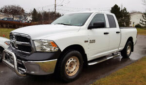 2013 Dodge Ram 1500 - 4x4 Quad cab. HEMI 5.7L engine