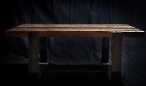 Table basse en bois de grange et acier