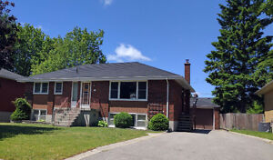 Student Rental!! 5 Bedroom House Close to Queen's & SLC!