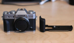 Fujifilm X-T20 Mirrorless Camera Body + Official Grip