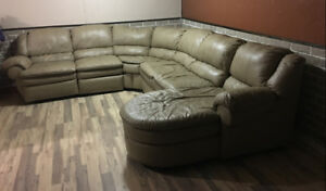 Sectional Sofa ( Brown Leather)