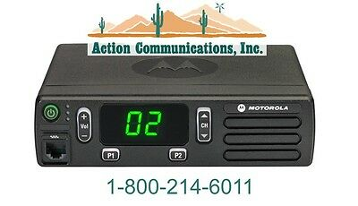 New Motorola Cm200d Analog - Uhf 403-470 Mhz 25 Watt 16 Channel Two Way Radio