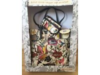 Tote bag / shopper decorated with Bird and flower design. New, still in box. And attached with tags.