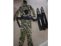 APNEA EVOLUTION WETSUIT CAMOFLAGE DESIGN TWO PIECE WITH FITTED HOOD