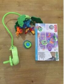 Fisher-Price Rainforest Peek-a-Boo Leaves Musical cot Mobile