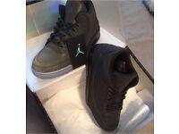 Jordan 5Lab3 (Black) in Deadstock Condition