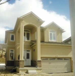 Stunning Family Home Available for Rent in Hamilton/Ancaster