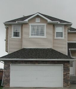 Three Bedroom Home with Double Detatched Garage in Okotoks
