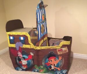 Jake and the Neverland Pirates Pop Up Ship