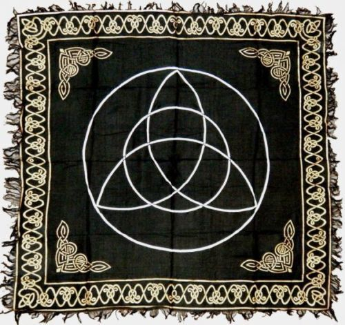 TRIQUETRA ALTAR CLOTH 24 X 24 inchs Black & Silver Wiccan Witch Pagan FREE SHIP