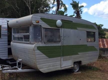Vintage caravan - 13 ft 1965 Viscount Valiant