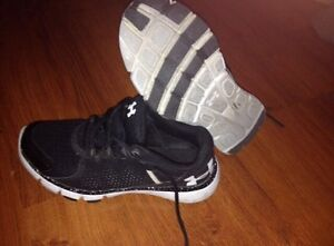Ladies size 8 running shoes