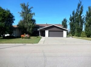 ~MOTIVATED~ Great Family Home~ Make us an Offer!  MLS L115149