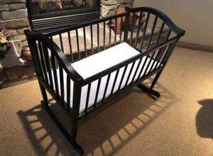 Baby Rocking Bassinet/Crib