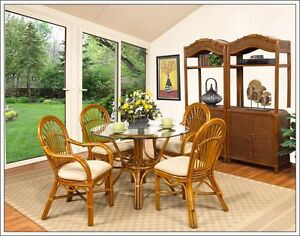 Classic Rattan Dining Table and 4 Chairs.