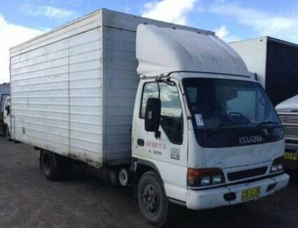 Isuzu NPR 400 , 2001 LWB 4 X 2 Pan Tech Tail Lift Wrecking Now