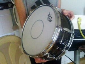 Selling my snare drums, tom tom, drum parts and accessories.