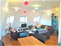 Stunning 3 Bed & 2 Bath Flat Available From 7 July 2018 - South Wimbledon