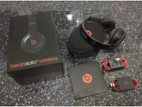 Beats solo 2 wireless headphones new